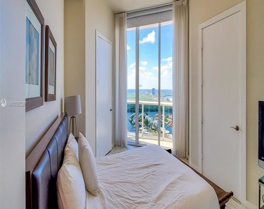 16001 Collins Ave - Photo Thumbnail 19