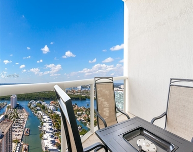 16001 Collins Ave - Photo Thumbnail 9