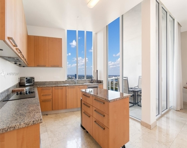 16001 Collins Ave - Photo Thumbnail 24