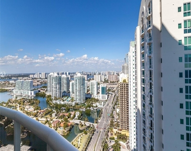16001 Collins Ave - Photo Thumbnail 4