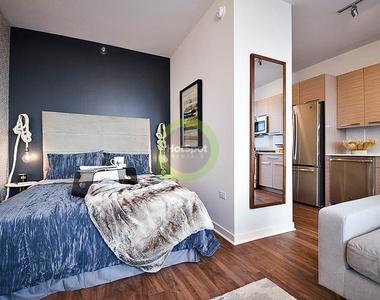 727 West Madison - Photo Thumbnail 2