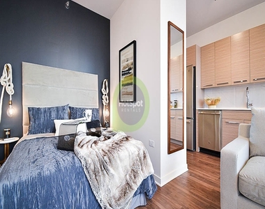 727 West Madison - Photo Thumbnail 7