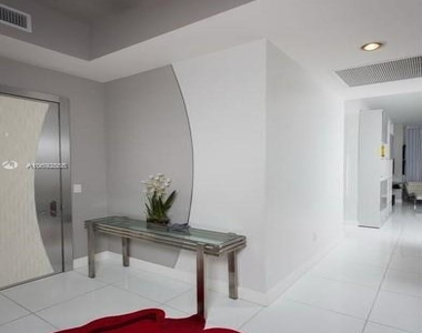 15901 Collins Ave - Photo Thumbnail 43