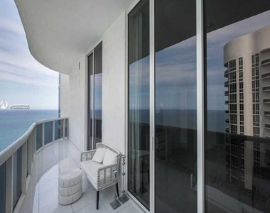15901 Collins Ave - Photo Thumbnail 32