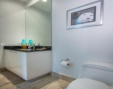 15901 Collins Ave - Photo Thumbnail 61