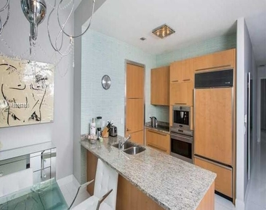 15901 Collins Ave - Photo Thumbnail 24