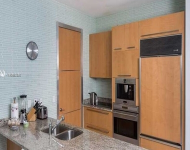 15901 Collins Ave - Photo Thumbnail 23