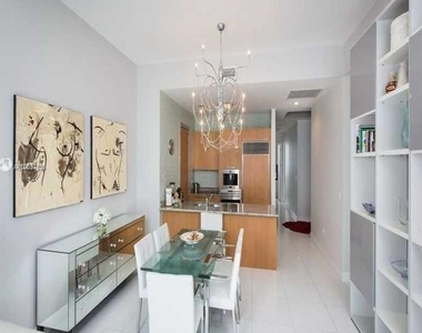 15901 Collins Ave - Photo Thumbnail 22