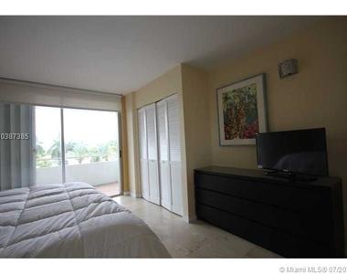 5161 Collins Av - Photo Thumbnail 44