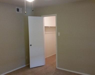 3433 W Dallas St - Photo Thumbnail 5