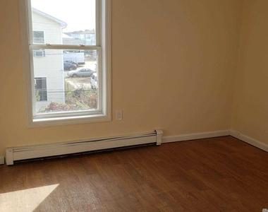 152 E Fulton Street - Photo Thumbnail 14