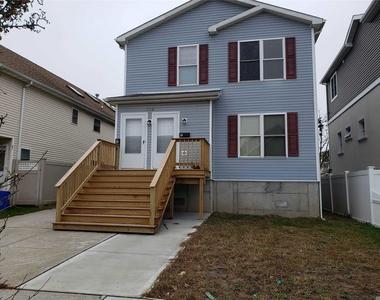 152 E Fulton Street - Photo Thumbnail 0