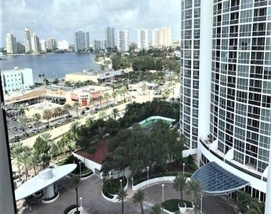 18101 Collins Ave - Photo Thumbnail 28