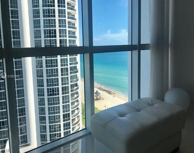18101 Collins Ave - Photo Thumbnail 13
