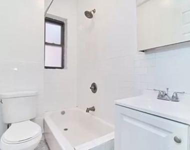 Jackson Heights, NY, 11372 - Photo Thumbnail 8