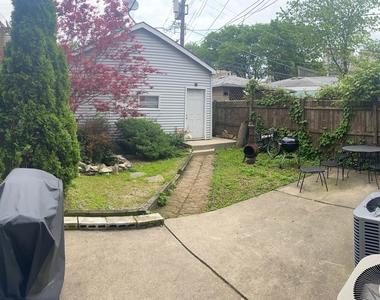 2102 West Belle Plaine Avenue - Photo Thumbnail 11