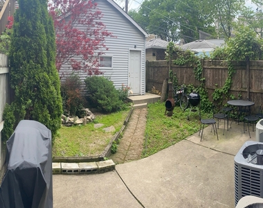 2102 West Belle Plaine Avenue - Photo Thumbnail 12