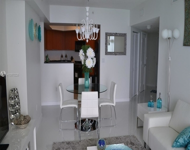 16699 Collins Ave - Photo Thumbnail 12