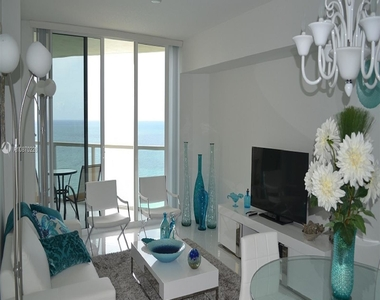 16699 Collins Ave - Photo Thumbnail 9