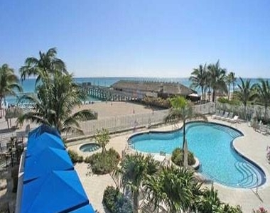 16699 Collins Ave - Photo Thumbnail 26