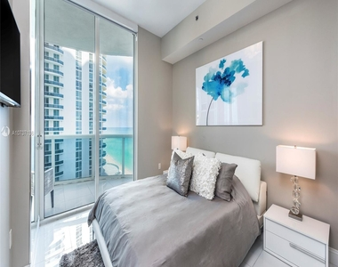 15811 Collins Ave - Photo Thumbnail 17