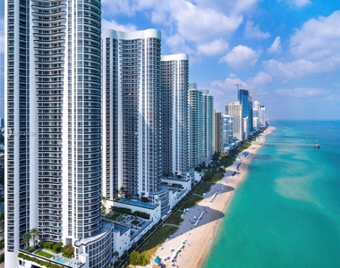 15811 Collins Ave - Photo Thumbnail 9