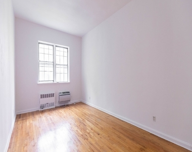 333 East 54th Street - Photo Thumbnail 5