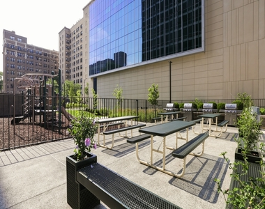 330 West Diversey Parkway - Photo Thumbnail 16