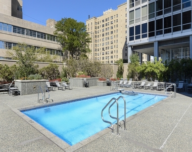 330 West Diversey Parkway - Photo Thumbnail 14