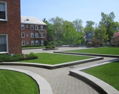 1815 Palmer Avenue - Photo Thumbnail 2