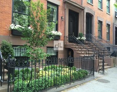 Montague Street - Photo Thumbnail 4