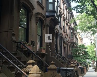 Livingston Street - Photo Thumbnail 20
