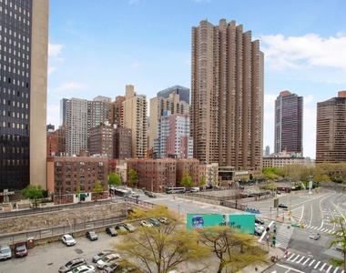 East 36th Street - Photo Thumbnail 4