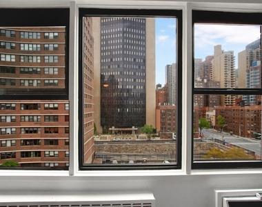 East 36th Street - Photo Thumbnail 5