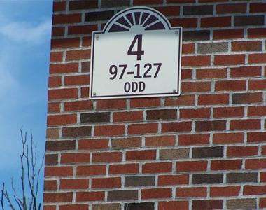 121 Farber Drive - Photo Thumbnail 3