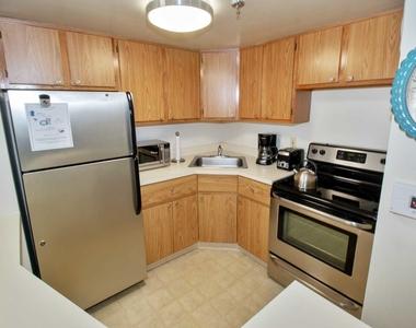 565 Albany Avenue - Photo Thumbnail 16