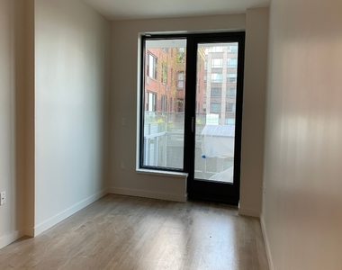 515 East 86th Street - Photo Thumbnail 1