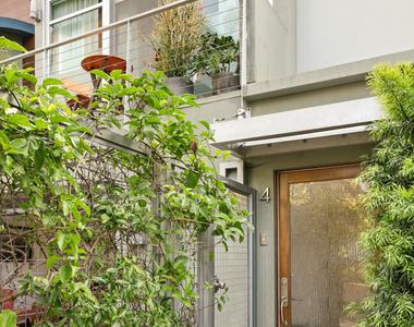 512 Brooks Ave - Photo Thumbnail 23
