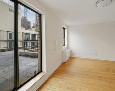 West 52nd Street - Photo Thumbnail 0