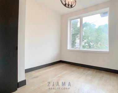 242 Hawthorne Street - Photo Thumbnail 4