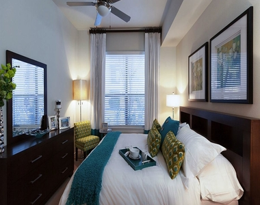 2900 W Dallas St - Photo Thumbnail 2