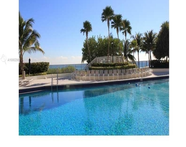 5151 Collins Ave - Photo Thumbnail 13