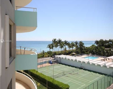 5151 Collins Ave - Photo Thumbnail 2