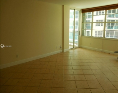 5151 Collins Ave - Photo Thumbnail 3