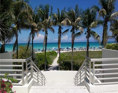 5151 Collins Ave - Photo Thumbnail 19