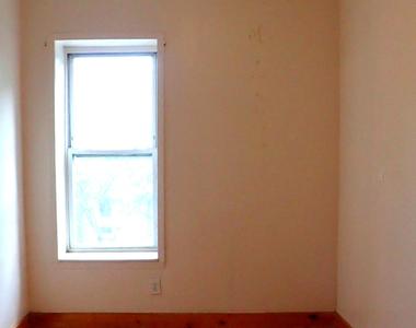559 St Johns pl - Photo Thumbnail 5