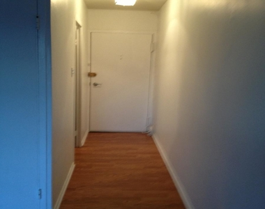 1801 Clydesdale Place Nw - Photo Thumbnail 2