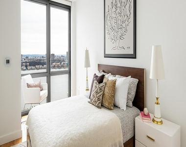606 West 57th Street - Photo Thumbnail 6