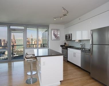 47th Avenue - Photo Thumbnail 2