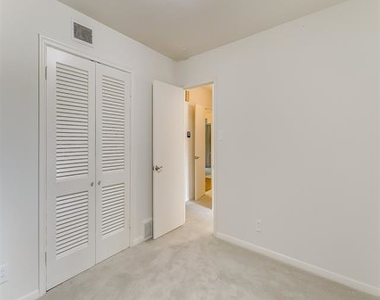 2456 Lofton Terrace - Photo Thumbnail 13